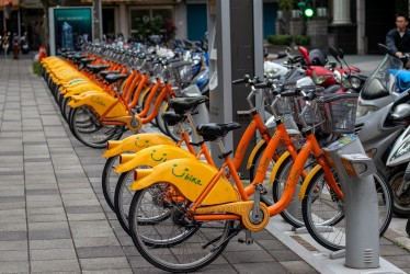 Taiwan's awesome rental bike stations (right)